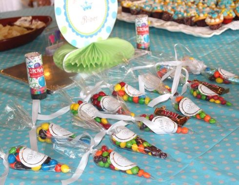 Organized table candy a birthday event